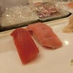 新橋しのだ寿司 - 赤身150円、大とろ300円