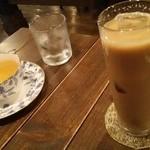 さとう珈琲 - アイスカフェラテ&ホットウーロン