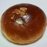 ぱん工房 ひだまり - クリームパン(130円+税)