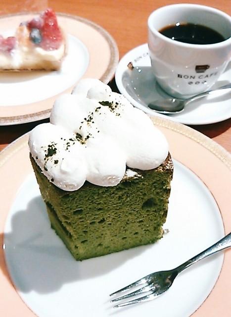 ボンカフェ 栄店 - 抹茶のシフォンケーキ