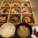 創作割烹 湖泉 別館 - 料理写真:10食限定!いずみ御膳