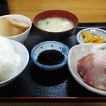 おけいちゃん - オリーブぶり刺身定食680円
