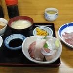 おけいちゃん - オリーブぶり刺身定食とオリーブハマチ刺身単品<1000円>