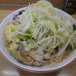 ラーメン二郎 - ラーメン(700円)+ショウガ(50円)、ニンニクなし