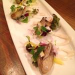 ディグビアバール - ぷりぷり!大粒牡蠣のオイル漬け(550円)