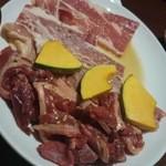 焼肉・居酒屋 たけはら - mixed meat half