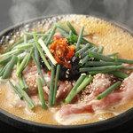 仁屋 - 国産豚の辛味噌五寸鍋 1000円