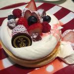 45717238 - フルーツフレンチパンケーキ コーヒーセット(¥1551)