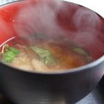 和み処 真 - わかめの味噌汁