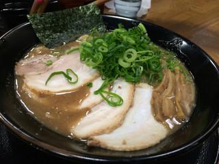 ラーメン与七 膳所店 - とんこつ(¥750)