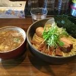 中華そば 椿 - 【2016/12】特製つけ麺(1100円)