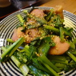 糀 やまき - 小松菜とベーコンの醤油糀炒め