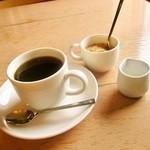 ラウンドカフェ - 茅ヶ崎サザンコーヒー ミルク ザラメ