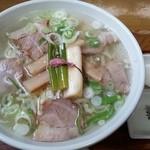 上海 - 塩・桜ラーメン 700円