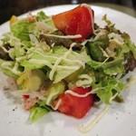 LASISA DINING - 海老のサラダ 500円 (''b