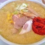 みつや - 味噌ラーメン(750円)+大辛(50円)+中盛り(100円)太麺