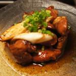 薩摩焼鶏酒場 とり魂 - モツ煮込み