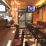 三福亭 - カウンター席&テーブル席