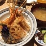 海鮮串天ぷら 中野家 - 950円の串天ぷら丼/海老天はしっかりよく揚げw