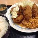 湯浅 - 日替わり定食(チキン南蛮、カキフライ)