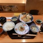 45741895 - 天ぷら定食茶碗蒸しも付いてます