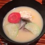 日本料理くりた - だら白子の白味噌椀,鴨丸・青ズイキ・京人参・シメジ