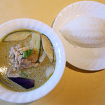 ラサ マレーシア・シンガポール料理 - チキン グリーンカレー