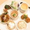 えい参 - 料理写真:えい参プレート膳¥1500(税別) サラダと・・・