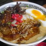 博多麺番長 - ホワイトとんこつ豚2種のせ麺