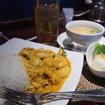 タイレストラン Smile Thailand - タレーパッポンカレーのランチセット