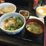 なか卯 船橋競馬場駅前店 - 朝まぜ牛小鉢定食にはいからうどん(小)(^∇^)