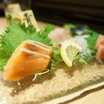 魚バカ 浜料理 厚岸漁業部 祐一郎商店 - 3点盛り+〆サバ