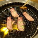 焼肉 門庭 - 無煙ロースター