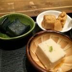 農家 - 小鉢3品、自家製胡麻豆腐、茄子の煮浸し、蓮根の甘酢