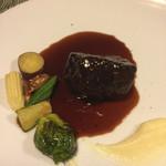 ル クロ - 柔らかな牛ホホ肉の赤ワイン煮込み