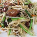 龍成飯店 - 料理写真:レバニラ。