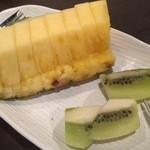 bellDining - デザートは新鮮フルーツ
