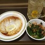 名代 富士そば - 待ち合わせまでちょい時間あるので、初めての富士呑み!角ハイ、かつ煮、ほうれん草のおひたしで540円。これは安い!角ハイ薄い(´・ω・`)