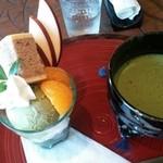さかしめ - 料理写真:ミニ抹茶パフェとお抹茶