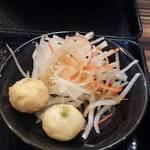 中華・卵料理のお店 卯龍 - サラダ イカ団子