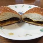 モモヤ - カレーパン