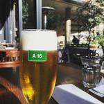 A16 TOKYO - 晴れた日のランチはビールでしょ?