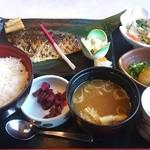 華屋与兵衛 - 金華鯖の塩焼き定食