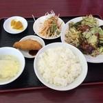 45784130 - サービスランチ 回鍋肉、580円