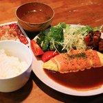 ダイニング ハル - オムカツ定食 800円