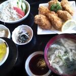 なぎさ亭 - カキフライ定食(880円)