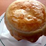 Lyon de Lyon - 魚介のパイ包み アメリケーヌソース♪