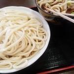 45788801 - 肉汁うどん 中盛り(880円)