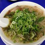 来来亭 - 料理写真:ラーメンネギ多め (2015.12現在)