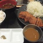 牛カツ専門店 京都勝牛 - 牛ロースかつ膳